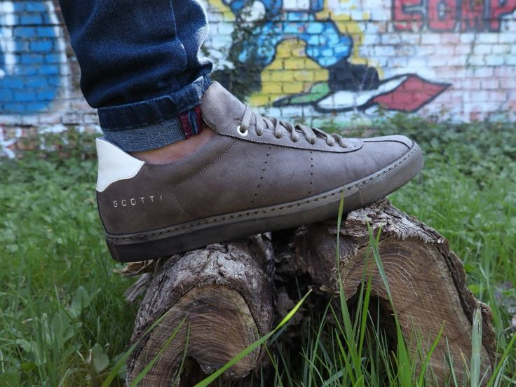 Designed and made with ethics, this is what Scotti's style is all about. Walking, working, playing, eating, painting, studying, clearing, flirting ... the only constant will be your Vaio, soft, breathable and very rock n roll! Handcrafted in Italy and 100% cruelty free. #veganshoes #madeinitaly #ethicalfashion #sneaker #handcrafted #vegan #crueltyfree #shoes #veganforlove #veganforlife #veganshoes