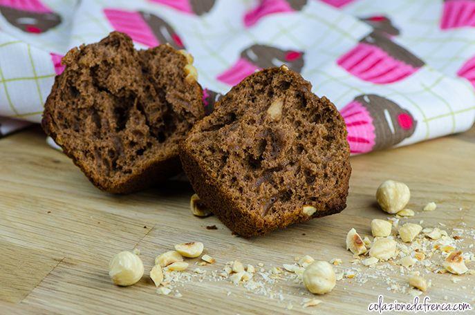 """Muffins Cioccolato & Nocciole - Nome d'arte: """"Il voglino di meta' settimana!"""" Ritrova la ricetta qui: http://www.colazionedafrenca.com/ricette/muffins-cioccolato-nocciole/"""