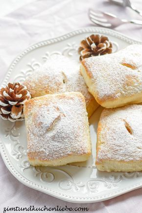 Quarkteigtaschen mit Vanillecreme & Amarenakirschen Füllung