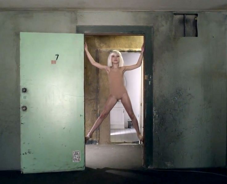 Best 25+ Chandelier music video ideas on Pinterest | Sia ...