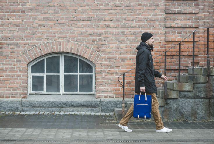 Jonas Hakaniemi for Lahtiset, bag JHFL 02-06, http://www.lahtiset.fi/fi/jhfl/jonas-hakaniemi-for-lahtiset.html #jonashakaniemi #lahtiset #felt #leather #bag #blue