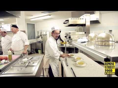 Rimini Street Food In The Kitchen... alla scoperta della cucina in giro per l'Italia, il nostro sguardo si posa sul ristorante del Cristal Palace, a #MadonnaDiCampiglio, dove a dirigere la squadra è lo #chef Sandro Copat.  www.riministreetfood.com facebook.com/riministreetfood