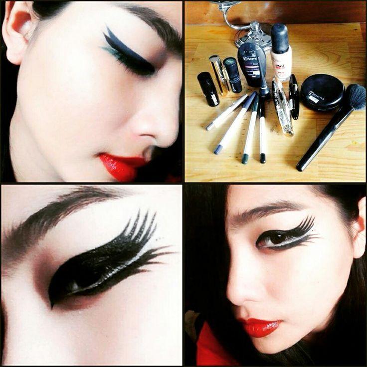 Be inspired, be audacious #flormarcambodia #flormarprofessionalmakeup #makeupaddict #eyeliners #makeupdemo