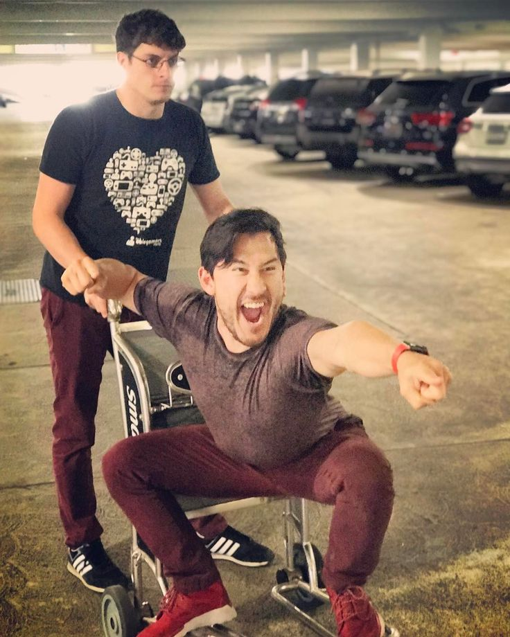 "338.2k Likes, 4,160 Comments - Markiplier (@markipliergram) on Instagram: ""FORWARD!!"""