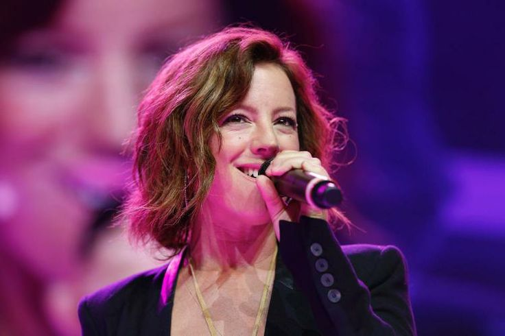 The lovely Sarah McLachlan Singing and Shareholders [2014]