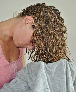 4 Best Ways to Dry Curly Hair