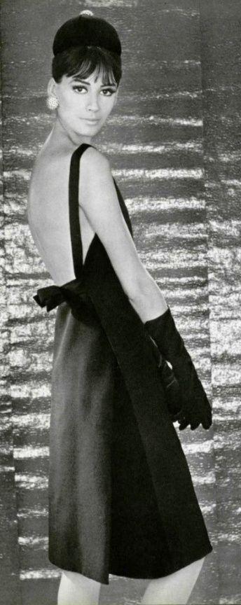 1962 Christian Dior                                                                                                                                                                                 Más