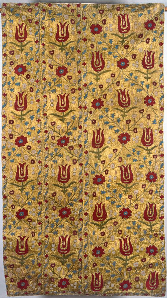 Ottoman silk and metal thread embroidery, 67 x 125 cm. National Museum, Warsaw