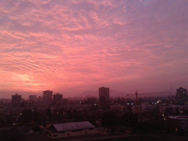 Atardecer en Santiago de Chile, desde Ñuñoa.  P.P.R.2013