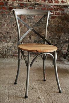 Chaise bistrot industrielle bois et métal