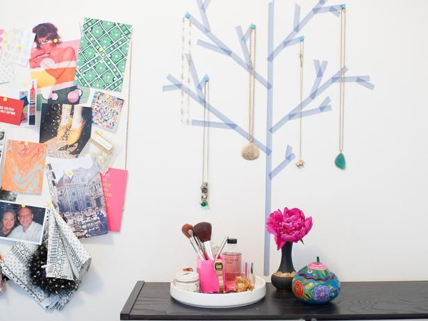 Create a  place to show off necklaces by taping a tree onto your wall with washi tape.>> www.hgtv.com/handmade/10-ways-to-transform-your-space-with-washi-tape/pictures/index.html?i=1?soc=pinterest