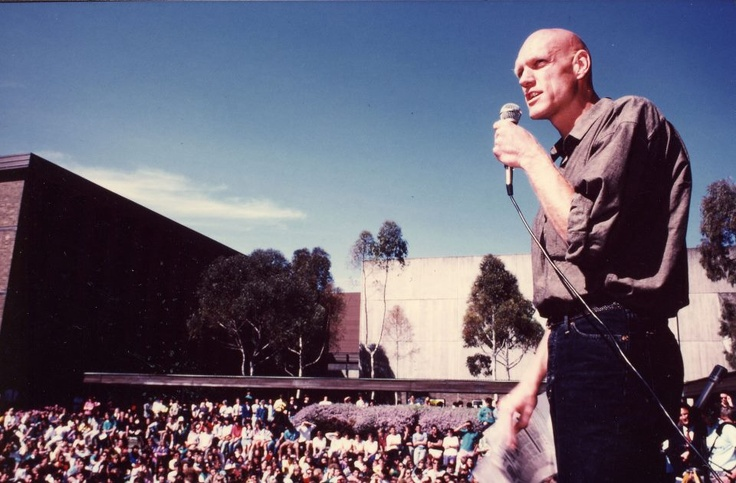 1987- Peter Garrett on the Library Lawn