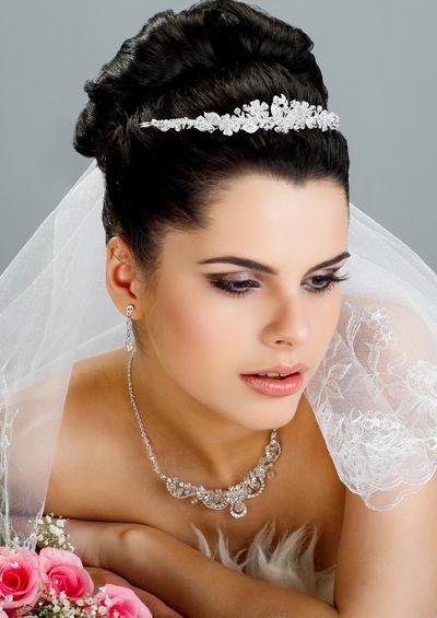 Brautfrisuren Hochgesteckt Mit Diadem Haarschmuck Schleier