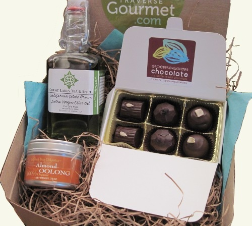 126 best healthy gift baskets images on pinterest gift ideas very vegan gift box traverse gourmet solutioingenieria Image collections
