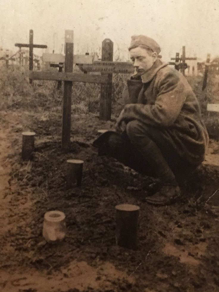 WWI; Photo taken after British soldier stumbled across the grave of his brother. -The Great War (@WW1_Series) | Twitter
