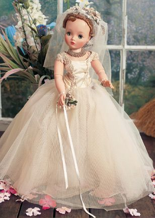 Theriault's Antique Doll