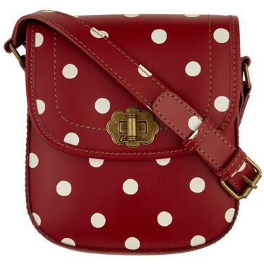 Smarten up and add a touch of vintage sophistication to your look with our printed leather turnlock bag, completed with Indian Rose lining for that perfect Cath Kidston twist. This beautifully finished design features a large flower turn lock and adjustable leather strap. Dust bag also included to keep your bag in tip top condition.