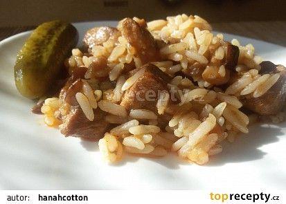 Vepřovo - houbové rizoto recept (cibule,špek,uzená červená paprika)
