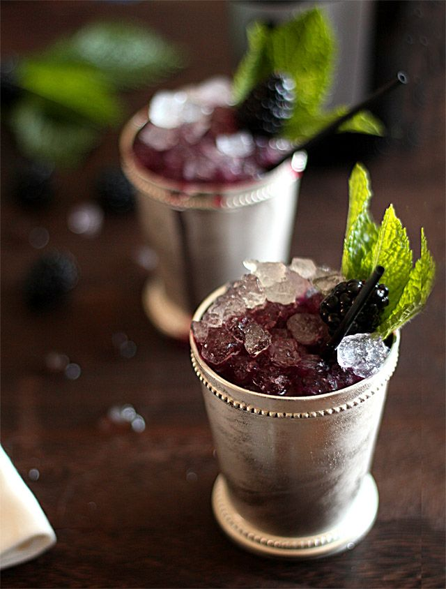 Sparkling Blackberry Mint Julep 1/2 cup blackberries 4 tablespoons mint leaves torn in half 2 Tbsp simple syrup 3 ounces bourbon Prosecco or other sparkling wine Mint sprigs and blackberries for garnish
