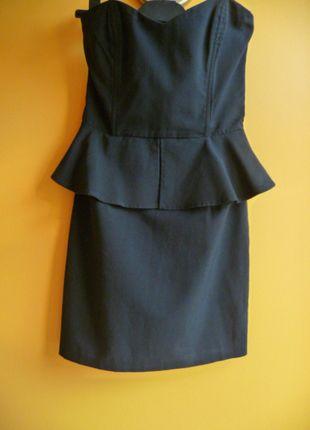 Kup mój przedmiot na #vintedpl http://www.vinted.pl/damska-odziez/krotkie-sukienki/9276392-czarna-baskinka-mini-rozmiar-36