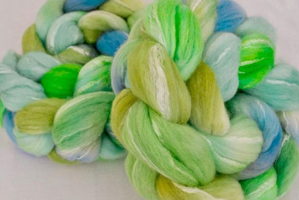 Hand painted roving, Merino, Bamboo, Spinning wool, hand spinning, spindling, Hand dyed fiber, fibre, felting projects, felting materials by YummyYarnsUK