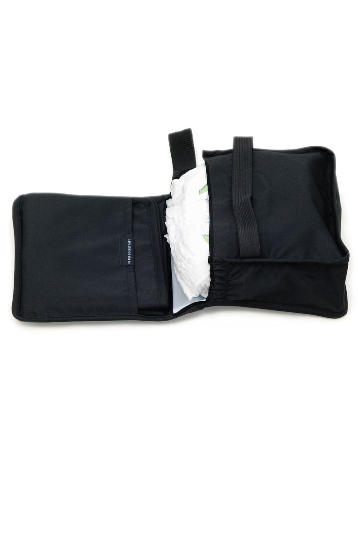 When having small kids in tow, you often need to carry around a lot of stuff. And then sometimes not that much. The IN THE POCKET BABY®DAYPACK will help you organize your babys things in a flexible way; for the daytrip downtown as well as the long haul flight.  The Daypack concept consists of a Nursing Kit (with Changing mat), a Meal Pouch and a Clothing Pouch, all easy to bring in any bag.