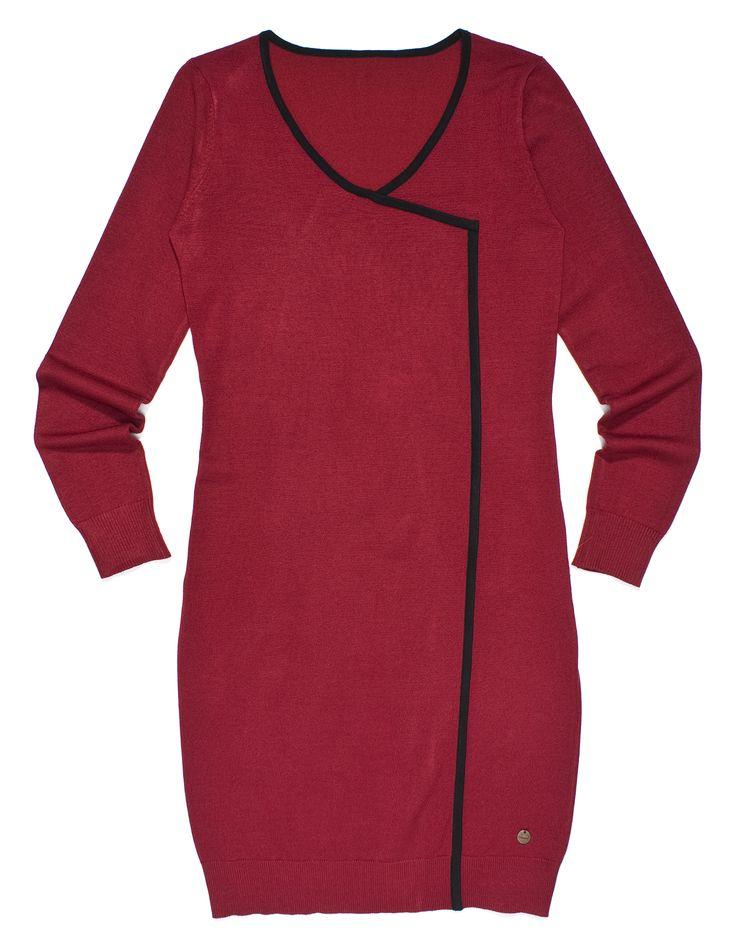 fs-f7, czerwona gładka sukienka z długim rękawem i czarnym wykończeniem