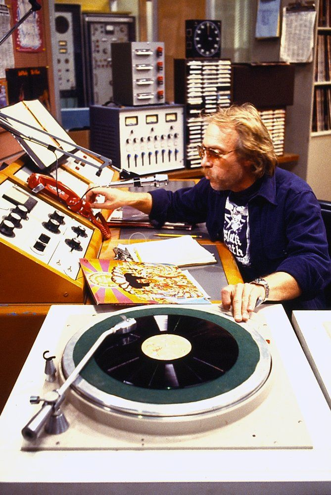 Howard Hesseman (born February 27, 1940) is an American actor best known for playing disc jockey Johnny Fever on WKRP in Cincinnati and schoolteacher Charlie Moore on Head of the Class.