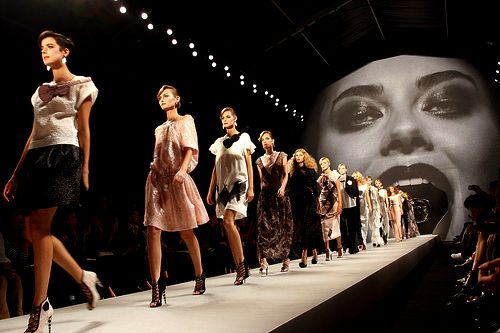 Mouth entrance on a runway stage - Carefully selected by GORGONIA www.gorgonia.it