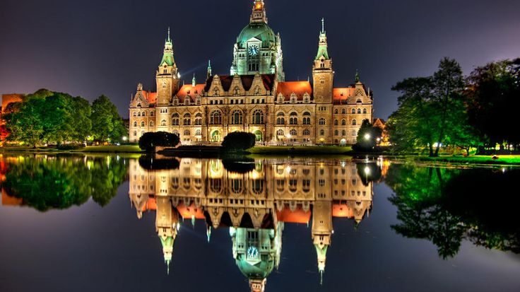 Hannover Rathaus - Hannover, Germany