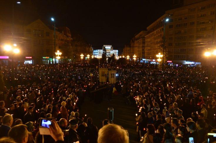 Procesiune impresionantă de Înviere la Catedrala din Timișoara – mii de oameni la primele Paști împreună cu noul Mitropolit Ioan Selejan FOTO VIDEO