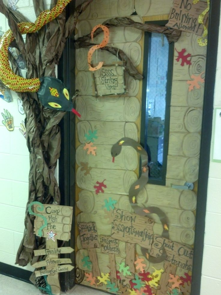 My Daughteru0027s 4th Grade Teacher Asked Me To Decorate Her Classroom Door For  The Boosterthon Door