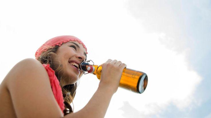 #Warum uns Bier tatsächlich glücklich macht - DIE WELT: DIE WELT Warum uns Bier tatsächlich glücklich macht DIE WELT Es gibt gute…