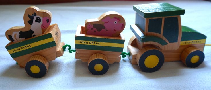 Rare Wooden John Deere Tractor Pull Toy - ASKING 15 $