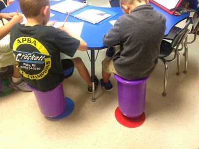 Alternative Seating in the Classroom – This blog post has some GREAT ideas to help you figure out how alternative seating can work in your elementary classroom. Click through for plenty of ideas and inspiration!