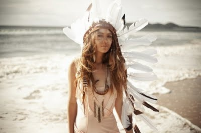 Obviously I'd never rock a headdress but  this girl is beautiful.