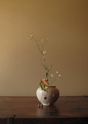 flower vase by Yusuke TANAHASHI, Japan