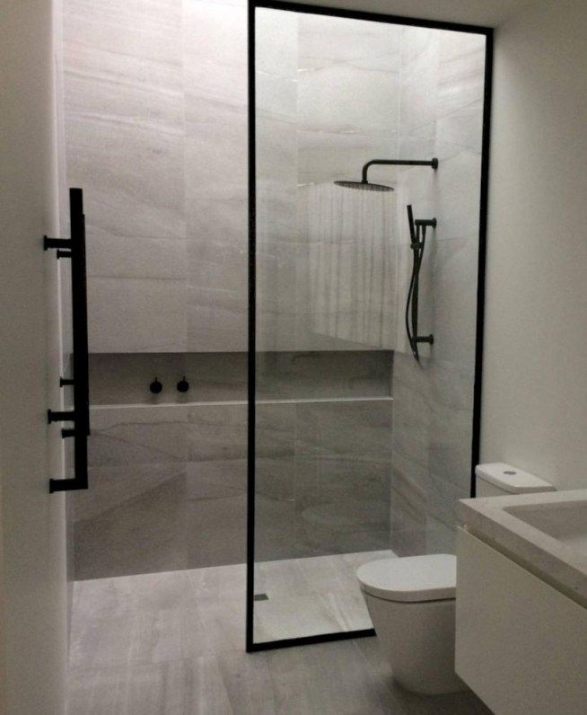 43 Nice And Minimalist Bathroom With A Glass Panel For Shower Room Matchness Com Minimalist Bathroom Design Simple Bathroom Minimalist Bathroom