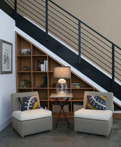 ideas creativas para utilizar el espacio debajo de las escaleras interiores barandales