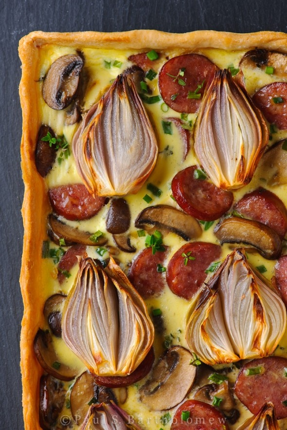 Shallot, Mushroom and Smoked Sausage Tart: Green Salad, Quiches, Onions Tarts, Smoke Sausage, Sausage Tarts, Food Photography, Wild Mushrooms, Smoked Sausages, Roasted Shallot