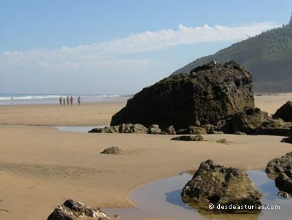 Playa Arenal de Morís Caravia. Playas Asturias. [Más info] http://www.desdeasturias.com/playa-arenal-de-moris-asturias/
