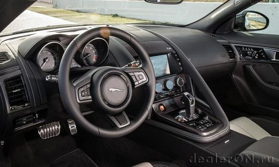 Интерьер купе Ягуар F-Type R / Jaguar F-Type R 2014