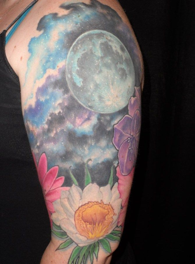 25 best ideas about realistic moon tattoo on pinterest for Realistic sun tattoo
