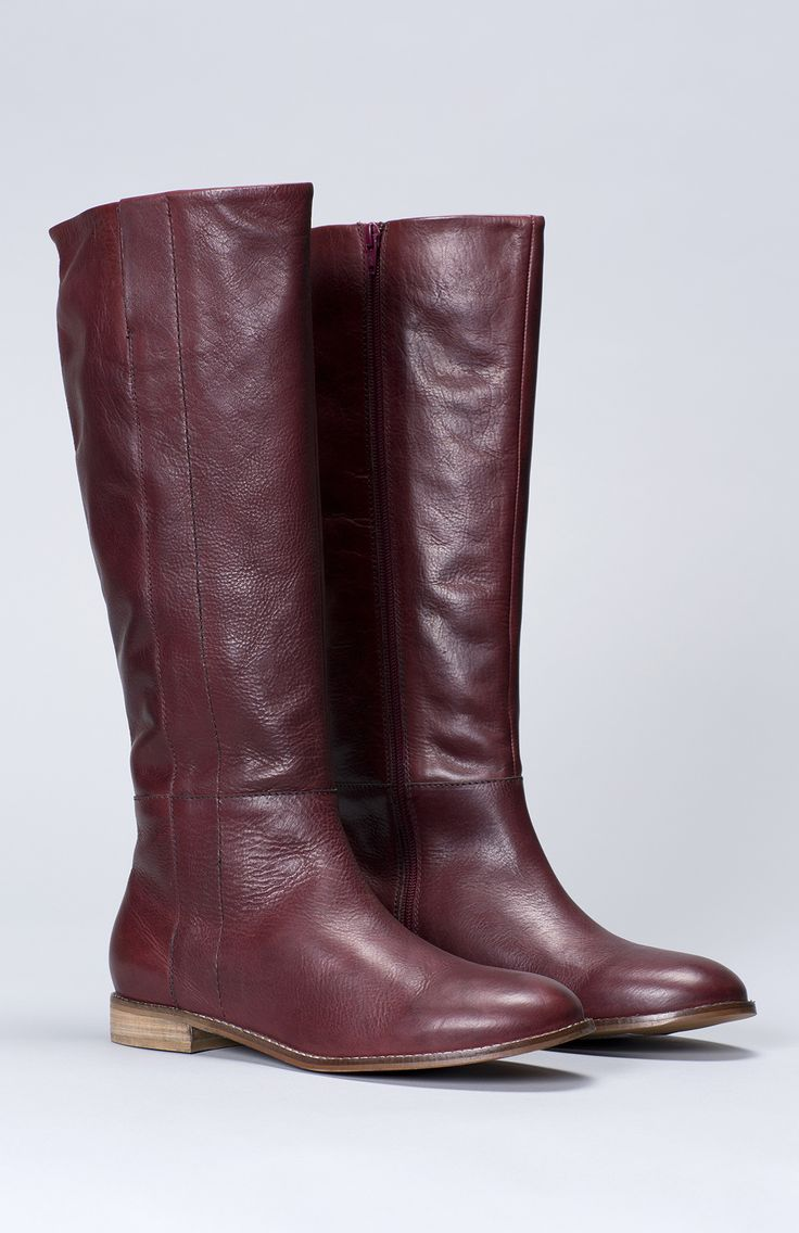 Made from a thick durable leather these boots have a side zipper and an elasticated insert for ease of wear.   As long boots can be hard to fit we can offer a complimentary stretching service. We are able to stretch the calf section up to 2 or 3cm more than they measure now. If you would like to know more about this or arrange for this post purchase please contact us via email or phone on 9478 1800 or customerservice@elkaccessories.com.au. Note if you do require this additional service we…