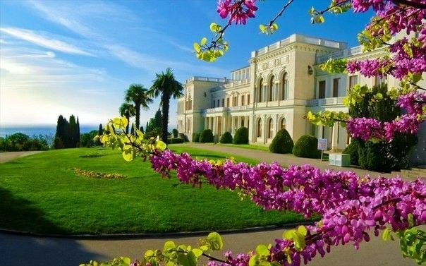 The historic monument of culture#crimea#Livadia Palace#The Yalta conferens#