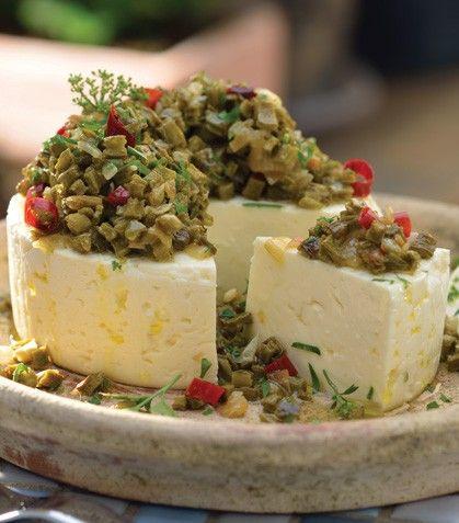 Panela al horno con nopales. Baked panela cheese and nopales.