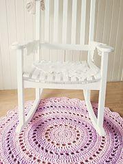 Equipment used: T-shirt yarn, crochet hook, scissors, darning needle.