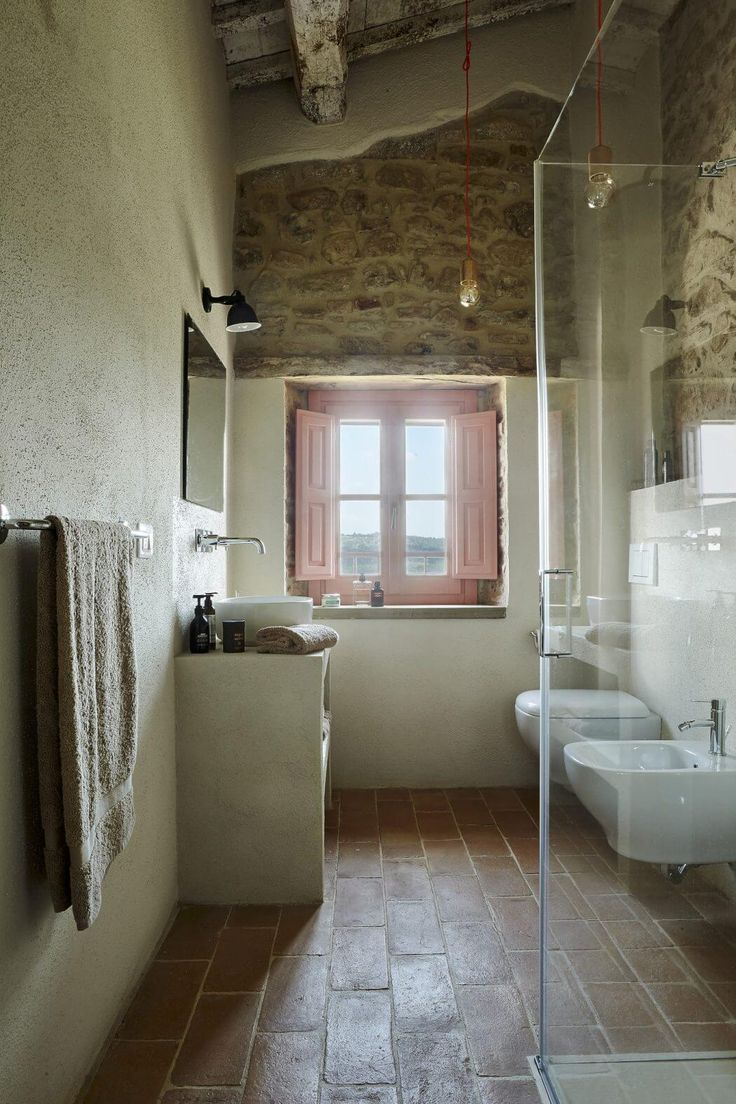 Historic Farmhouse by Special Umbria | HomeAdore
