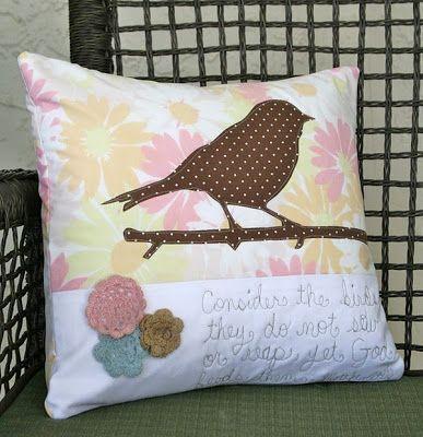 Jeito de Casa: Inspiração: Almofadas com detalhes artesanais...
