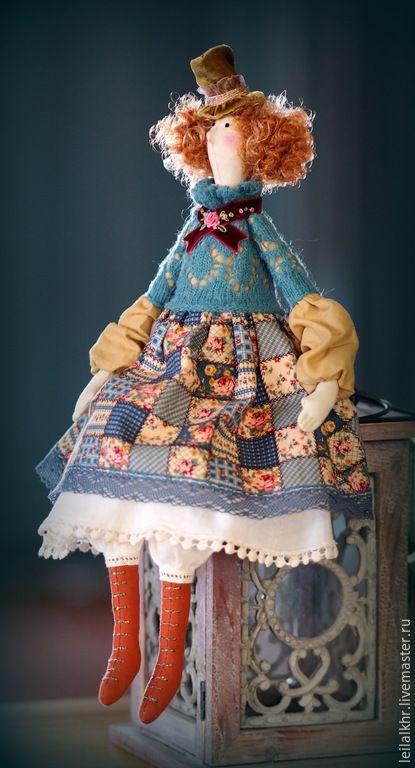 Купить или заказать Тильда 'Мадемуазель Лулу' в интернет-магазине на Ярмарке Мастеров. Куколка самостоятельно сидит, имеется петелька для подвешивания. Одежда не снимается. Точный повтор не возможен.